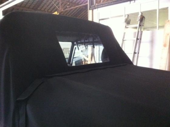 capote defender sellerie depuis 1952 en seine maritime. Black Bedroom Furniture Sets. Home Design Ideas